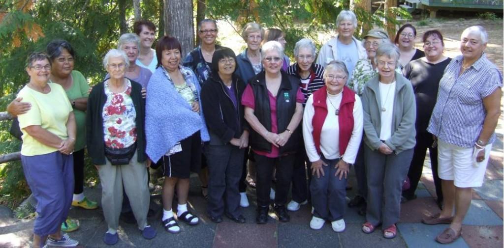 19 women at the women's retreat